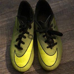 Nike soccer cleats kids size 3Y